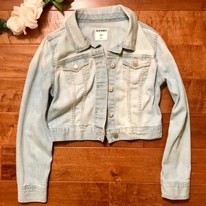 Light wash denim jacket!